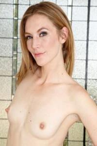 Mona Waless reife Fotze spritzt nach doppelter vaginaler DP